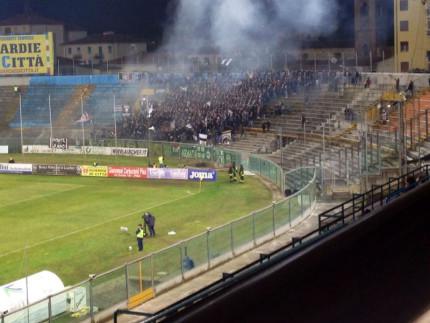 settore tifosi Ascoli a Pisa