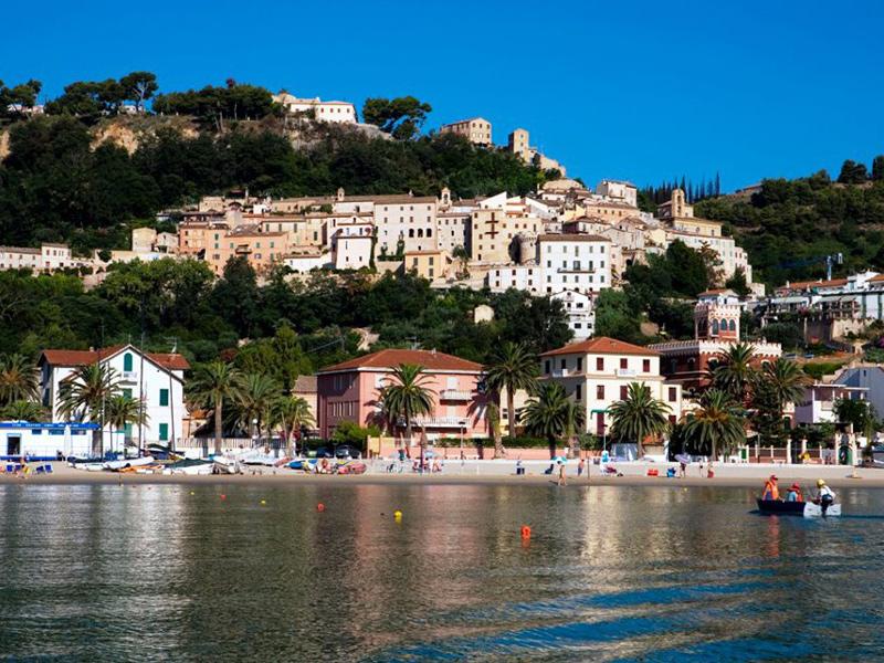 Matrimonio Spiaggia Grottammare : Grottammare in festa si celebra san paterniano con eventi