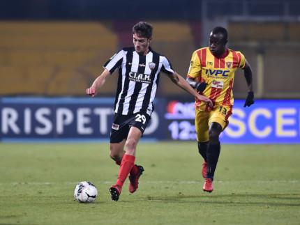 Un momento del match tra Ascoli Picchio e Benevento, per la serie B di calcio. Foto tratta da Ascolipicchio.com