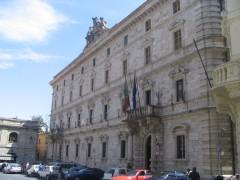 Il palazzo San Filippo, ad Ascoli Piceno, sede della Prefettura e della Provincia ascolana