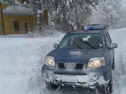I volontari della Protezione Civile di San Benedetto del Tronto al lavoro a Montegallo per l'emergenza neve e terremoto