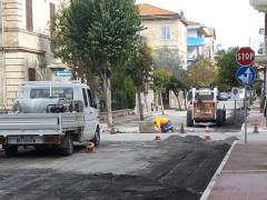 Lavori di asfaltatura per le vie del centro storico di Grottammare