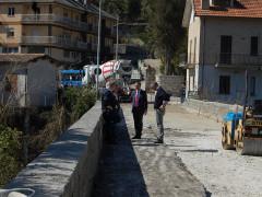 Sopralluogo del presidente provinciale D'Erasmo sul ponte sul fiume Tronto della strada provinciale 226 Mozzano, Ascoli Piceno