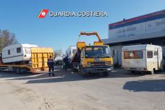 Il sequestro di quattro roulottes dal porto di San Benedetto del Tronto