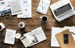 Economia, scrivania, business - fonte: Pixabay