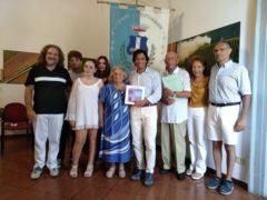 Premiazione dei turisti da 50 anni in vacanza a Grottammare