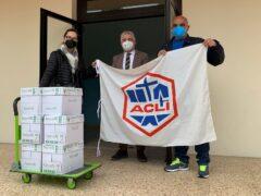 Donazione di materiale scolastico da parte dell'ACLI